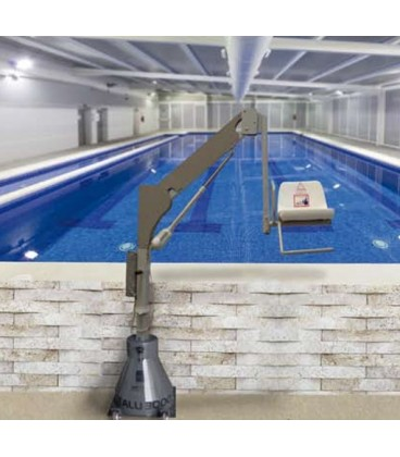 The battery lift 3400 is designed so that people with reduced mobility can access swimming pools or spas
