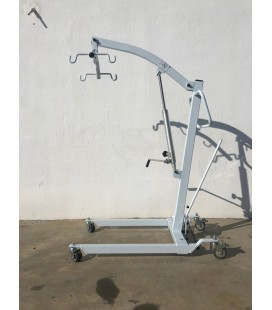 The NA350 Hydraulic lift facilitates the transfer of people with reduced mobility
