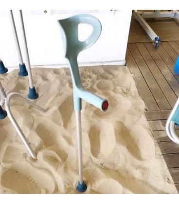 Muletas anfibias. Pasea cómodamente por la playa